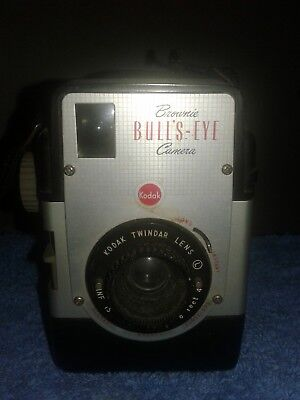 1950s Kodak Brownie Bulls-Eye 620 Film Camera with Kodak Twindar Lens Not Tested