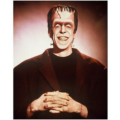 The Munsters Fred Gwynne as Herman with Big Smile 8 x 10 inch Photo