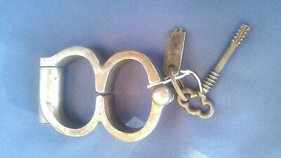 Ruben Craddock and Son Boer War Style Plug 8 Handcuffs