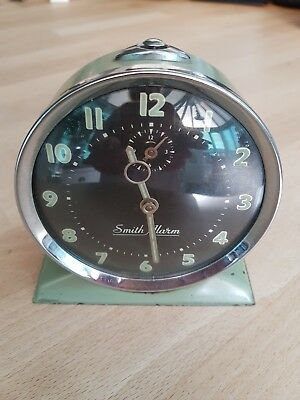 Vintage retro wind up alarm clock pastel green patina 60/70 collectable Smith