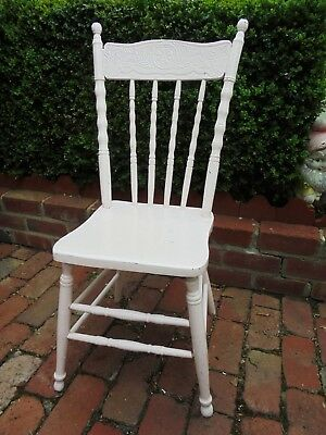 ANTIQUE AUSTRALIAN COLONIAL PRESSED BACK WOODEN CHAIR c1900