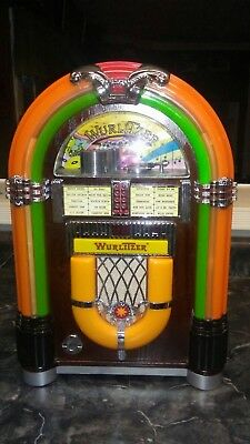 Wurlitzer jukebox complete working condition with remote control all work good