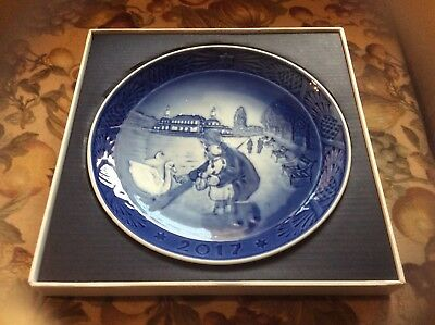 Royal Copenhagen Collectible RC Christmas 2017 Plate (New in Box)