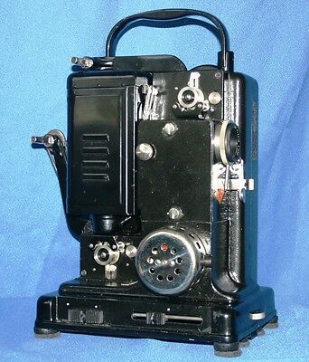 AGFA MOVECTOR 16A VINTAGE SILENT 16mm MOVIE PROJECTOR. WORKING CONDITION. A1