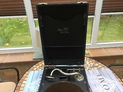 Vintage MayFair Deluxe 78 RPM wind up gramophone