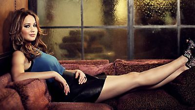 GLOSSY PHOTO PICTURE 8x10 Jennifer Lawrence Posing On The Couch