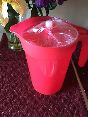 Tupperware Impressions 2 qt pitcher with infuser