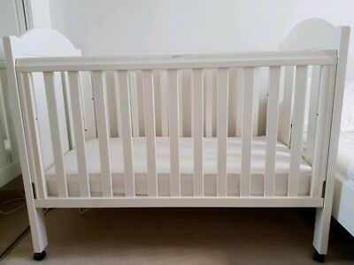 Baby cot, Safe track by Boori