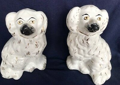 Pair Of Vintage White Staffordshire Style Ceramic Fireside Dogs Wally Dogs.