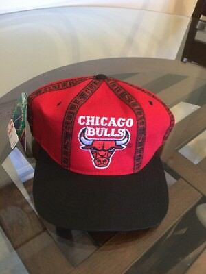NWT Vintage Chicago Bulls Red Black Starter Snapback Hat Cap Brand New With  Tag 4634f74ff6f