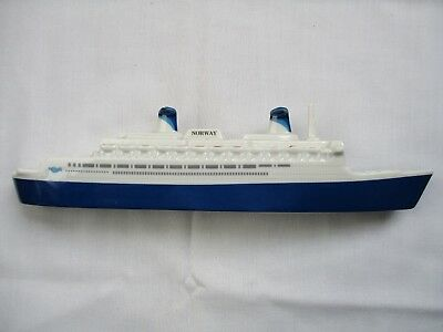 SS Norway Cruise Ship Ceramic Model Passport Products Exc Cond -  RARE