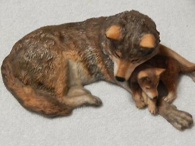 Franklin Mint (Porcelain) Woodland Repose Timber Wolf by Nicholas Wilson