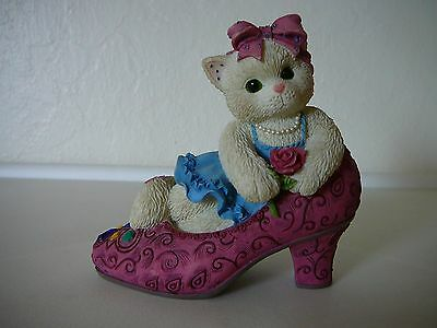 """Cute Calico Kittens """"It's Not Easy To Fill Your Shoes"""" 1997 Priscilla Hillman"""