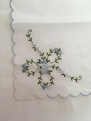 VINTAGE 50s SWISS COTTON BLUE FLOWER BRIDE WEDDING EMBROIDERED HANDKERCHIEF NEW