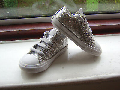 Pair Of Infant Girls Metallic Silver Glitter Converse All Star Trainers Size Uk7