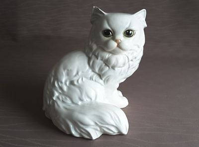 CHAT BLANC EN PORCELAINE ALLEMANDE GOEBEL - Adorable