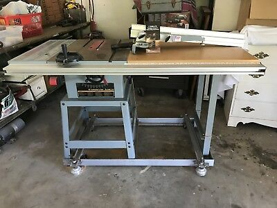 Delta 10 Contractors Table Saw Made In Usa Great Condition Easy Move Wheels