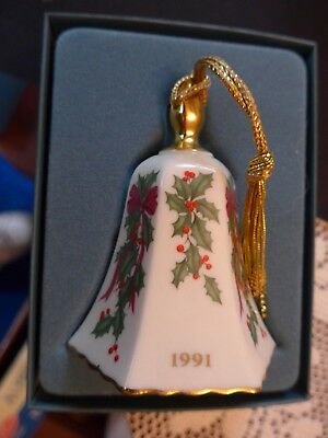 Lenox 1991 Holly With Ribbon Bell –Xmas  Annual Ornament