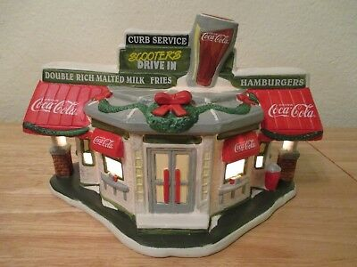 Coca-Cola1996 XMAS Lighted Town Square Collection Village SCOOTER'S DRIVE IN