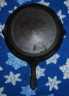Antique (Early 1900's ?)  Cast Iron Skillet With Heat Ring - Restored