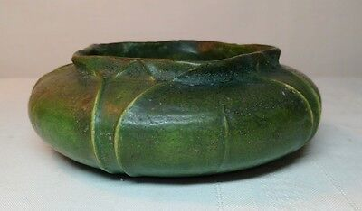 Grueby Pottery, Carved Overlapping Leaves, Squat Pentagon Planter, Artist Signed