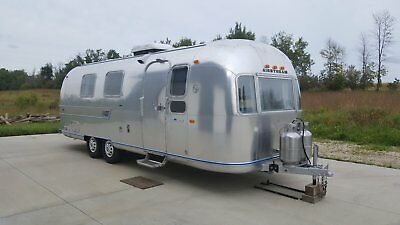 1972 Airstream Overlander 27' Travel Trailer