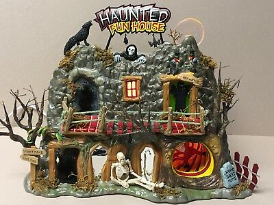 "Dept 56 ""HAUNTED FUN HOUSE"" Spooky Blinking Eyes,Animated Spinning Tunnel W/Box!"