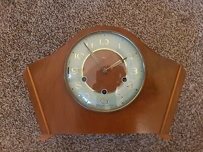 Vintage SMITHS Wooden Mantle Clock With Pendulum with spider key.
