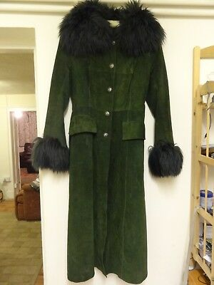 Vintage 60's / 70's Ambalu Skincraft Ladies Green Suede Leather Coat Size 10