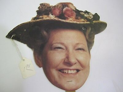 HOWDY! Grand Ole Opry's Miss Minnie Pearl Autograhed Hand-held Fan w/Tag Cool!