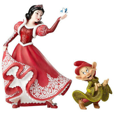 Disney Showcase Christmas Snow White&Dopey Couture de Force Figurine New in box
