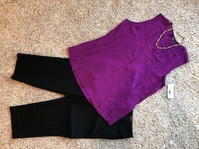 All New! Women's Outfit: (L) Top; 12 Capris; Necklace.