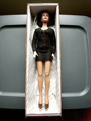 """Tonner Doll Tyler Wentworth 2005 """"Radical Red"""" custom outfits & orig box"""