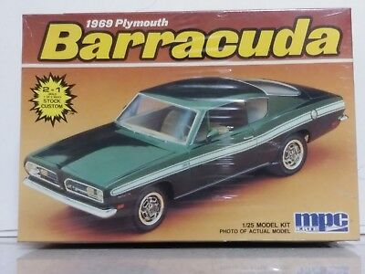 Vintage Mpc #6070 1/25 Scale 1969 Plymouth Barracuda Plastic Model Kit