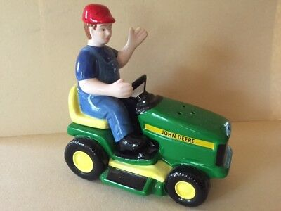 John Deere SALT & PEPPER SHAKERS Lawn Tractor & Farmer