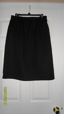 Ladies Skirt - Size 14 - Carriage Court - Black