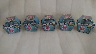 Lot of 5 Monster High Minis Season Series 2 NIB mint blue lockers (Lot 1)