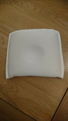 Award-winning Theraline baby pillow for flat head, nearly new