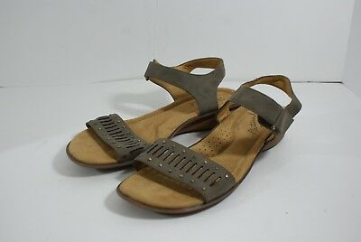 1da7fff7e18 Natural Soul by Naturalizer Women s Size 8.5 M Taupe Cut Out Leather Sandals