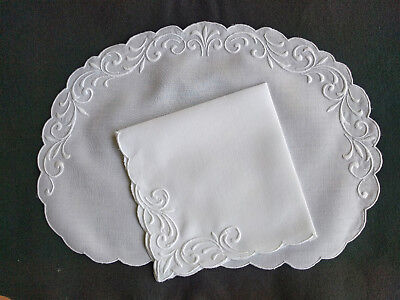 ELEGANT 24pc Vintage mid-cent, MADEIRA Linen Oval Placemats, Napkins gently used
