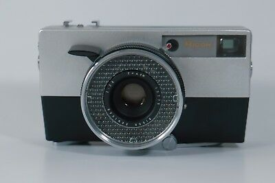Ricohmatic 35mm Vintage Film Camera by Ricoh