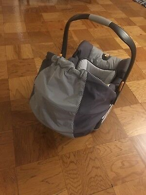 Chicco Keyfit 30 Infant Car Seat In Moonstone With Base