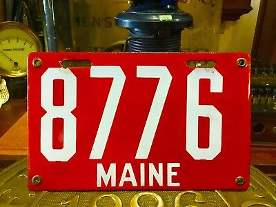 1st ISSUE PAIR MAINE PORCELAIN LICENSE PLATE NO RESERVE 1 FAMILY OWNED