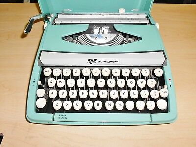 Vintage SCM Smith Corona Corsair Deluxe Typewriter Green Teal, England Tested