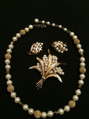 Vintage Trifari Gold-tone Faux Pearl Leaf Pin Brooch Clip on Earrings & Necklace