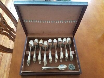 Vintage Lot of 142 Spoons Victors Co A1+ Intl Silver Silverplate Jewelry Supply