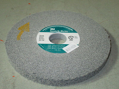3M Scotchbrite Exl Deburring Wheel 6X1/2X1 8A-Medium 13616