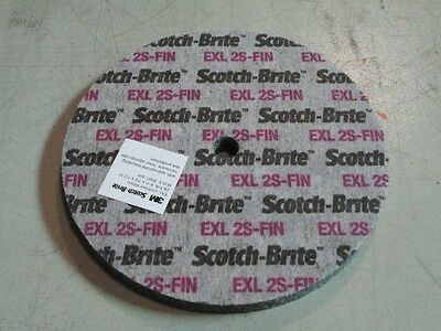 3M Scotchbrite Exl Deburring Wheel 6X1/2X1/2 2S Fine 13719