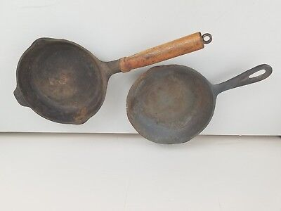 Lot of 2 Vintage Cast Iron Skillets