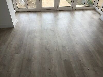 Amtico Spacia Sun Bleached Oak